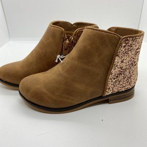 Cat & Jack Toddler Size 9 Girls bootie-NWT